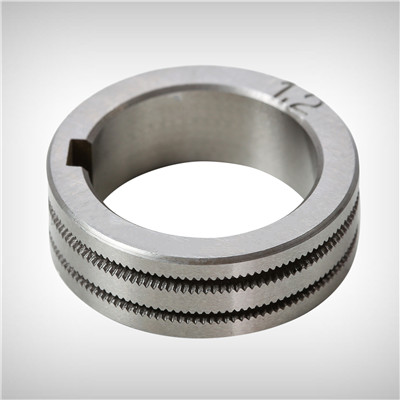 Knurled drive roller for feeding .035/.045 flux cored wire